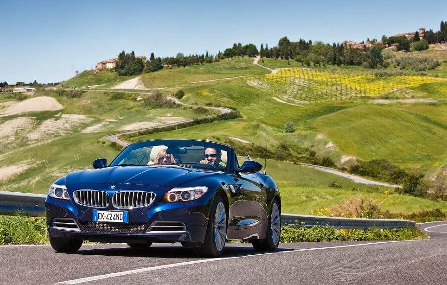 Alquilar un automóvil en Italia y en la Toscana